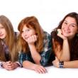 Groupe d'adolescents mignons et heureux — Photo