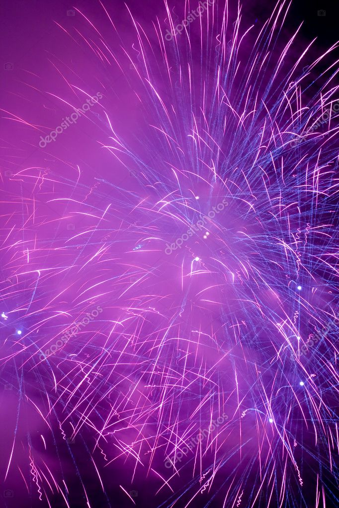 A beautiful fireworks in the night sky — Foto Stock #4344603