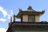 Roof of Buddhist temple — Stockfoto