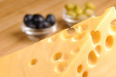 Cheese and olives — 图库照片