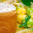 Easter eggs and cake — Stock Photo #5000614