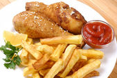 Fried chicken with potato — Stock Photo