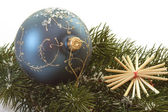 Blue christmas tree ball — 图库照片