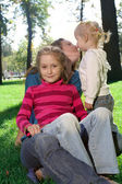 Famiglia al parco — Foto Stock