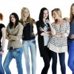Happy girls group isolated on white background — Stock Photo #5214744