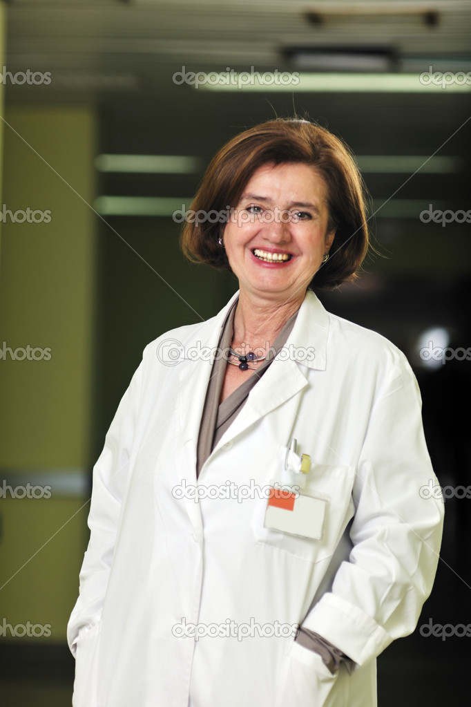 Doctor medical woman portrait  indoor in hospital — Stock Photo #5365847