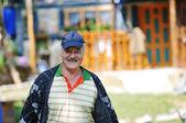 Feliz homem sênior ao ar livre — Foto Stock