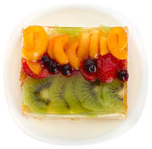 Curd cake with jellied fruits and berries — Stock Photo