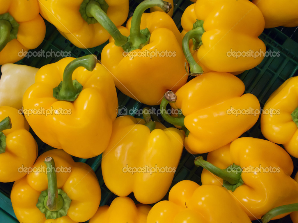 Bright ripe yellow paprika background — Stock Photo #5097352