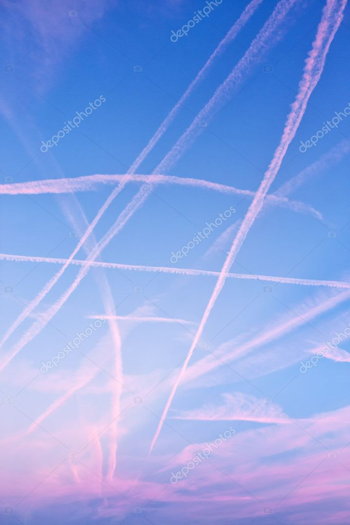 High-flying traffic in the evening blue sky  — Stock Photo #4491228