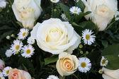 White floral arrangement — Foto de Stock