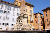 Fountain on Piazza della Rotonda in Rome, Italy — Stock Photo