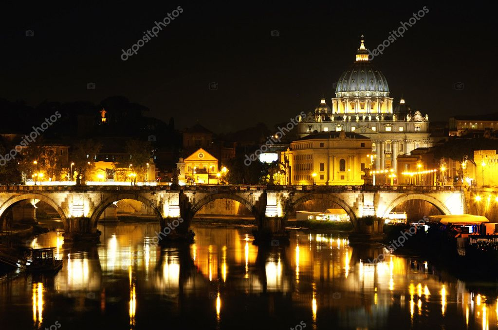 View of panorama night Vatican City in Rome, Italy — Zdjęcie stockowe #3928892