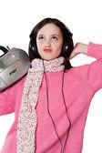 красивая девушка прослушивания музыки — Стоковое фото