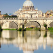Vatican City from Ponte Umberto I in Rome, Italy — ストック写真