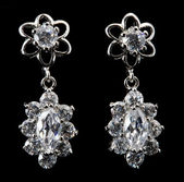 Earring with diamond — 图库照片