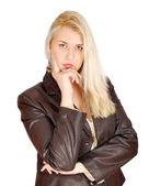 Mulher loira de beleza posando — Fotografia Stock