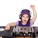 Little girl dj fun and play music — Stock Photo