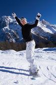 Kvinnliga snowboardåkare i dolomiterna — Stockfoto