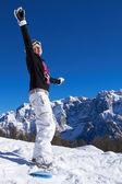 Kobieta snowboardzista w dolomitach — Zdjęcie stockowe