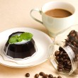 Coffee, coffee pudding and coffee beans — Stock Photo