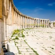 Oval Plaza columns in Jerash, Jordan — Stock Photo