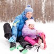 Mother and daughter skiing — Stock Photo #4614432