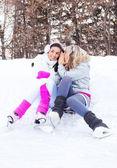 Pattinaggio su ghiaccio di ragazze — Foto Stock