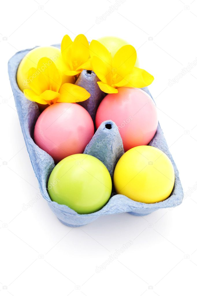 Easter eggs on white background with crocus flowers - food and drink — Stock Photo #5254041