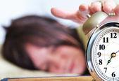 Sovande kvinna — Stockfoto