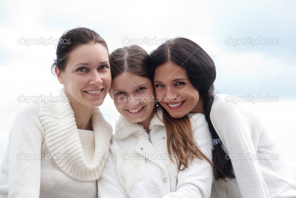 Three young woman enjoying autumn  — Stock Photo #5348791