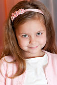 Portrait adorable little girl — Stock Photo