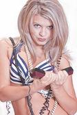 Jeune blonde avec téléphone — Photo