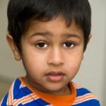 Indiase kind op zoek triest — Stockfoto
