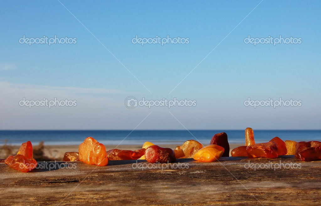 Set of diverse, multi-coloured, raw amber  Foto de Stock   #4025035