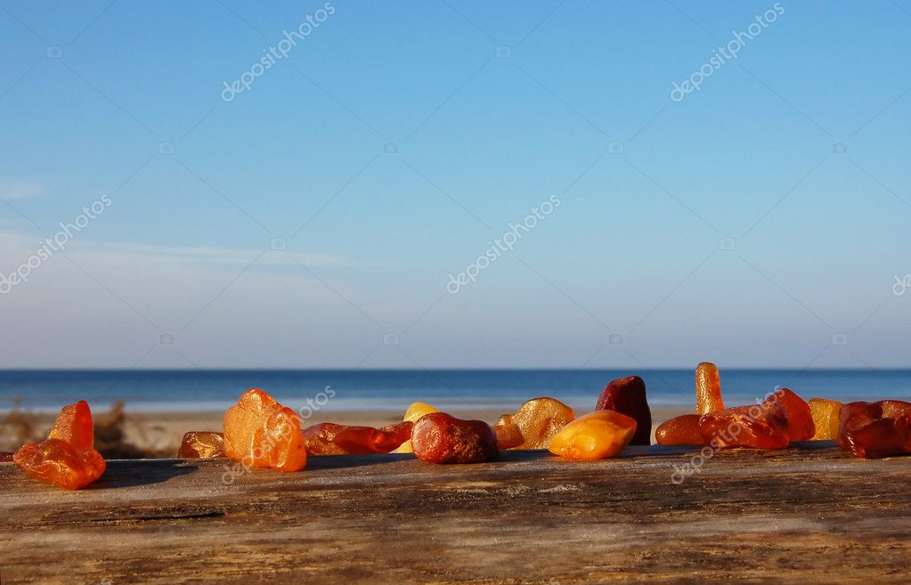 Set of diverse, multi-coloured, raw amber — Foto Stock #4025035