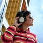 Woman enjoying music — Stock Photo