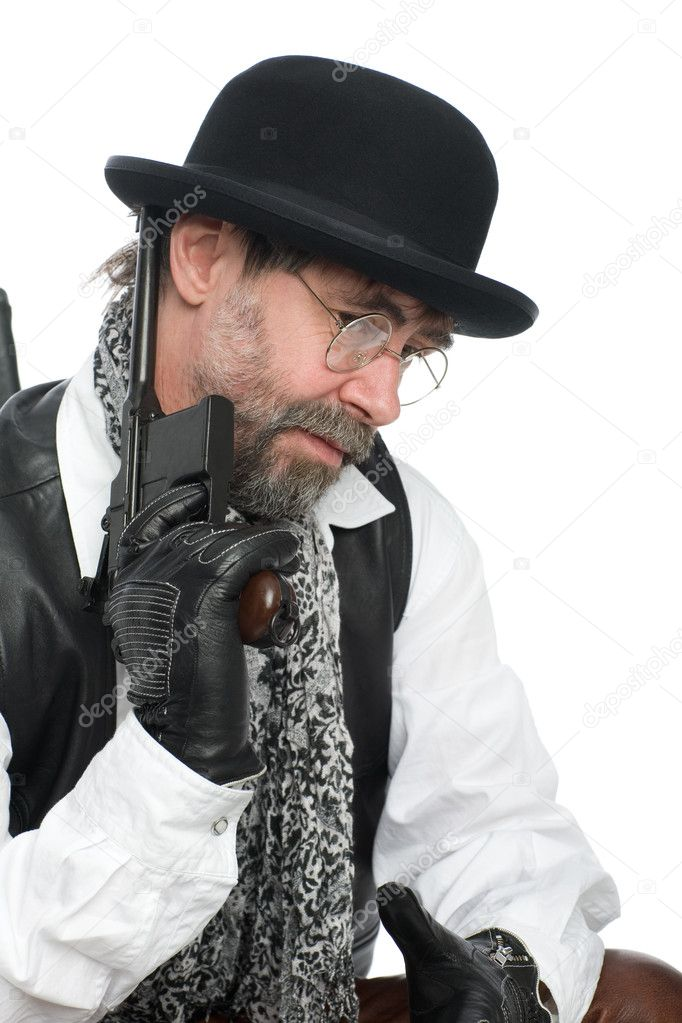 A man dressed as a retro with a Mauser in his hand. — Stock Photo #4421439
