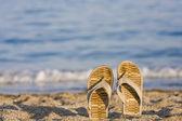 σαγιονάρες στην παραλία — Φωτογραφία Αρχείου
