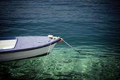 único barco en el mar — Foto de Stock