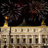 France. Paris. A building the Grand Opera and Christmas fireworks — Stock Photo