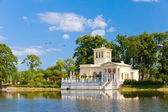 Russia, Peterhof . Olga's Pavilion on island in Olga's pond. — Stock Photo
