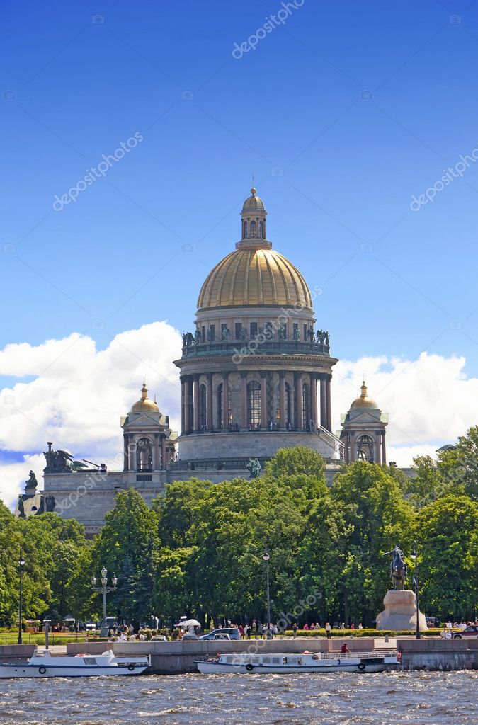 Russia. St.-Petersburg.  Isaakievsky cathedral. — Stock Photo #5301801