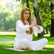 Yoga outdoor pose — Lizenzfreies Foto