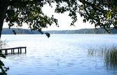 在农村中的湖 — 图库照片