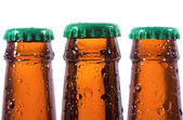 Butelek piwa z kropli wody — Zdjęcie stockowe