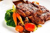 Gegrillten ribeye steak — Stockfoto