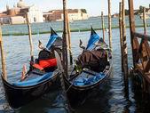 Venice - Parking gondolas nearby Doge's Palace — Stock Photo