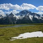 paisaje de montaña en la primavera, Suiza — Foto de Stock