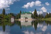 Alpine landscape with hotel in Flumserberg, Switzerland. — Stock Photo